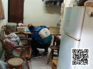 耀際幫助孤單老人除蟲消毒做公益